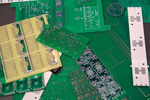 What Did the First Printed Circuit Boards Look Like? | Yun Industrial